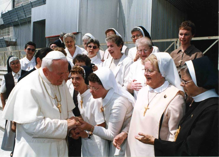 Felician Sisters Meeting the Pope