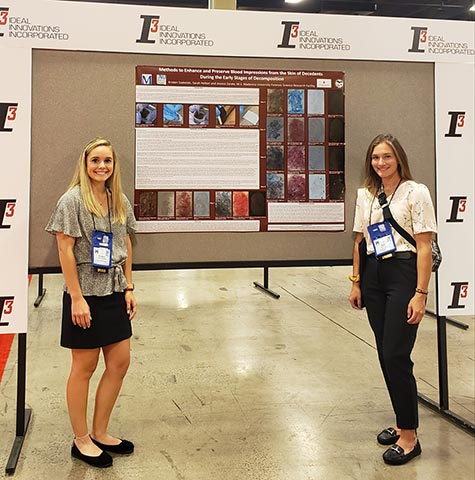 FROST Poster Winners Kristen Szabelski and Sarah Holton
